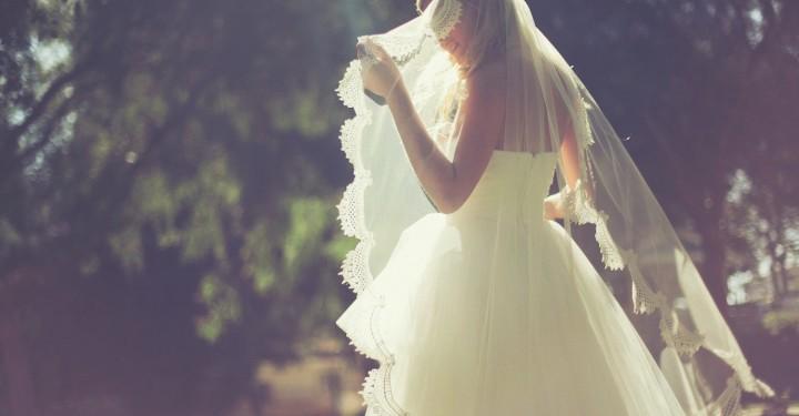 صورة تفسير حلم العروس بالفستان الابيض , معني الحلم البنت بفستان العرس