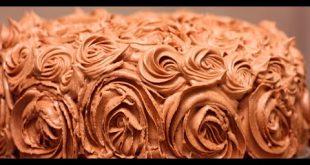 صورة كريمة الشوكولاته لتزيين الكيك , كعكات بكريمة الشيكولاته