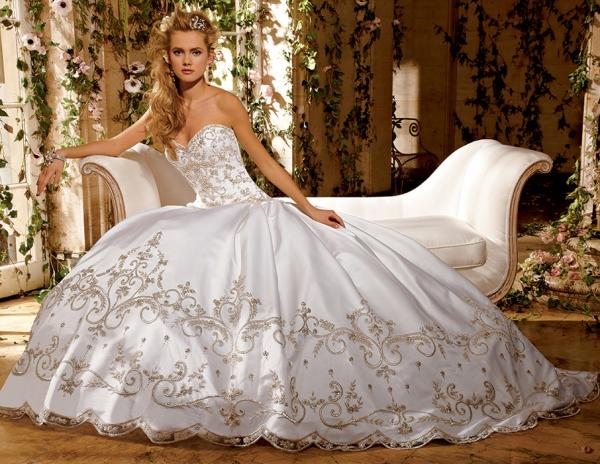 أروع فساتين الزفاف الملكي 4325-11.jpg