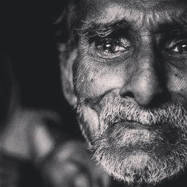 بالصور صور رجال حزينه , صور حزينة معبرة 4648 5