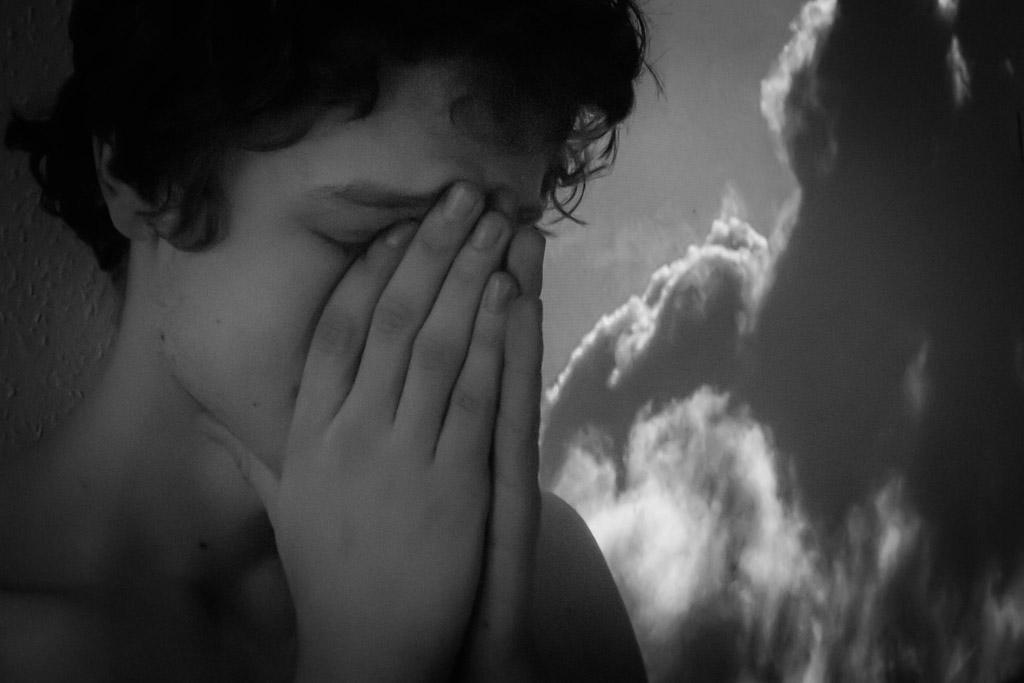 بالصور صور رجال حزينه , صور حزينة معبرة 4648 7