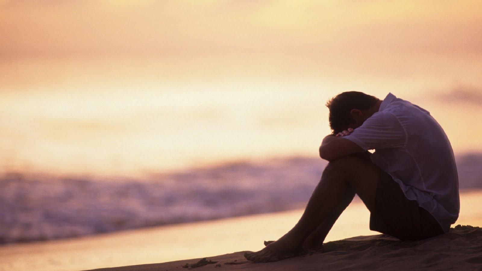 بالصور صور رجال حزينه , صور حزينة معبرة 4648 9