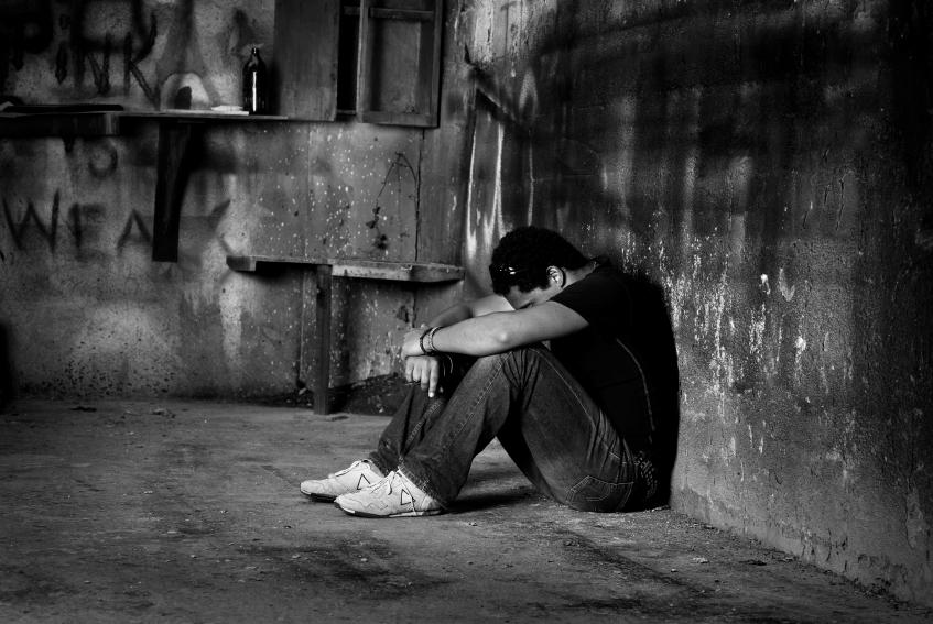 بالصور صور رجال حزينه , صور حزينة معبرة 4648
