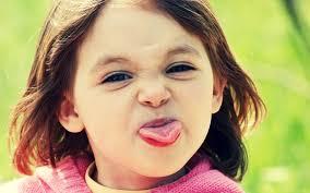 صورة صور بنات تضحك , اشكال صور مضحكة للفتيات 1186 1