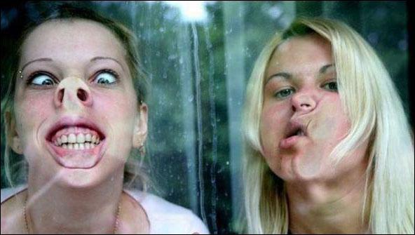 صورة صور بنات تضحك , اشكال صور مضحكة للفتيات 1186 2