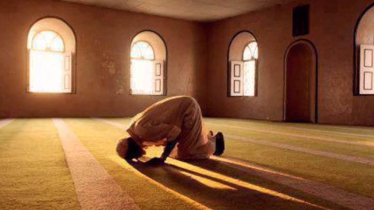 صورة رؤية شخص يصلي في المنام , الحلم بشخص يصلى