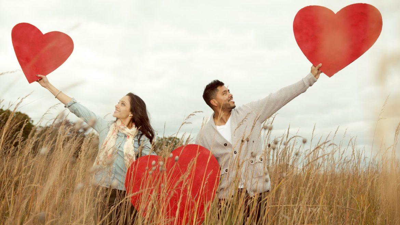 بالصور اجمل صور حب رومانسيه , بتحب الرومانسيه اليكي بعض الصور بكلمات تعبر عن عشقك 5336 8