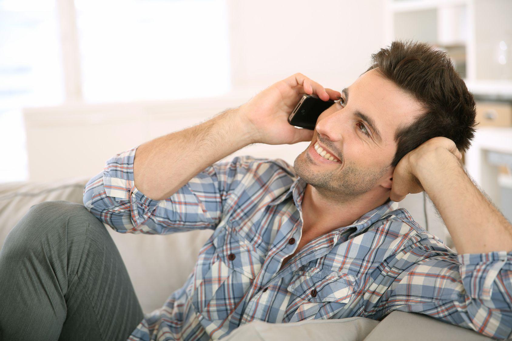 صورة كيف تجعل الفتاة تحبك عبر الهاتف , تعرف علي طرق تجعل البنت تعشقك من التليفون
