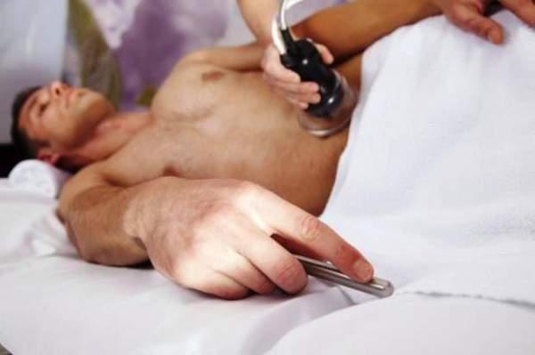 بالصور طريقة حلق شعر الدبر للرجل بالصور , طريقة سهلة للتخلص من شعر الجسد عند الرجال 521 2