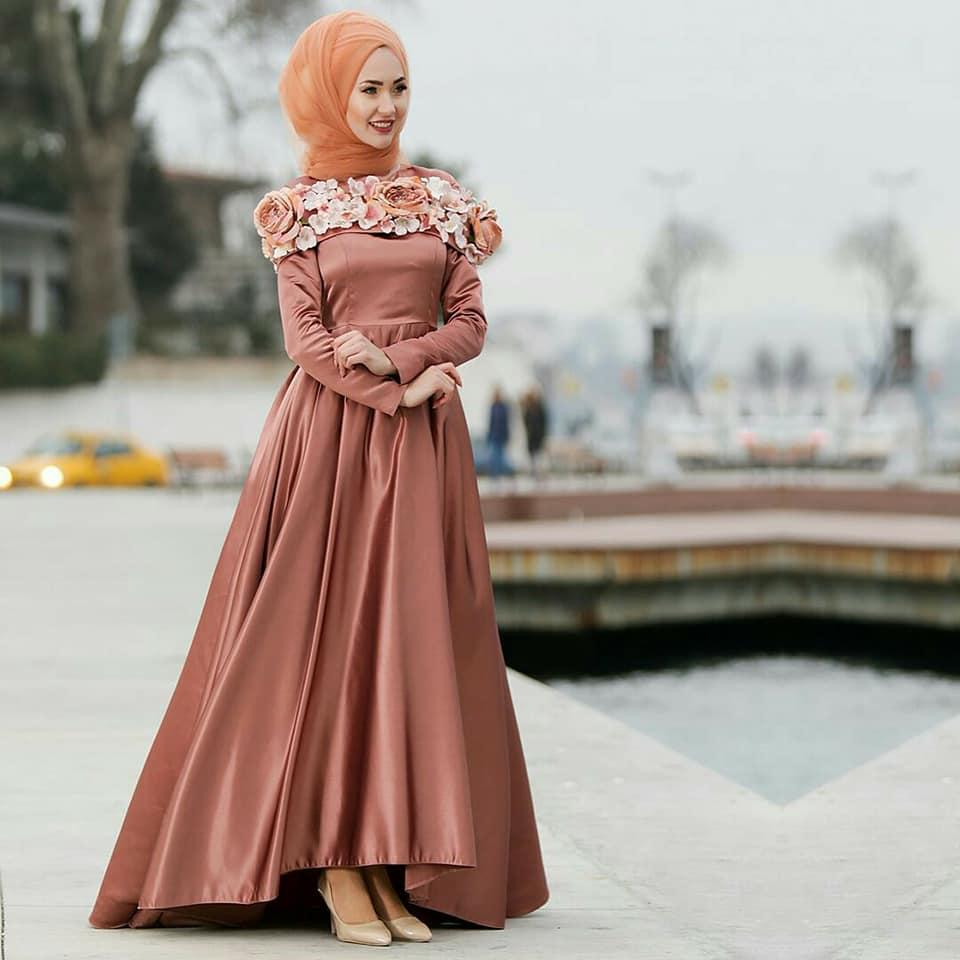 بالصور فساتين سواريه بسيطه وشيك للمحجبات , اجمل الفساتين السواريه للمحجبات 6440 5