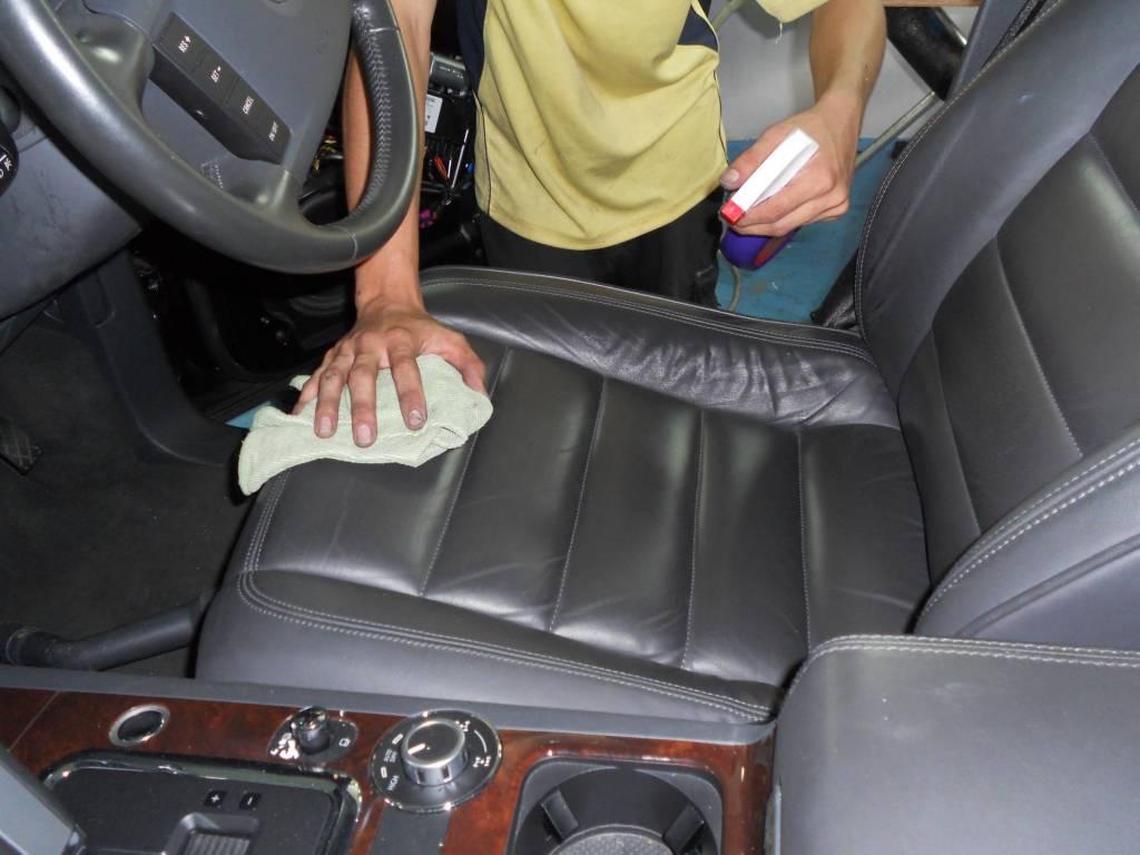 بالصور تلميع السيارة من الداخلة , اجعل سيارتك جميلة من الداخل 12289 2
