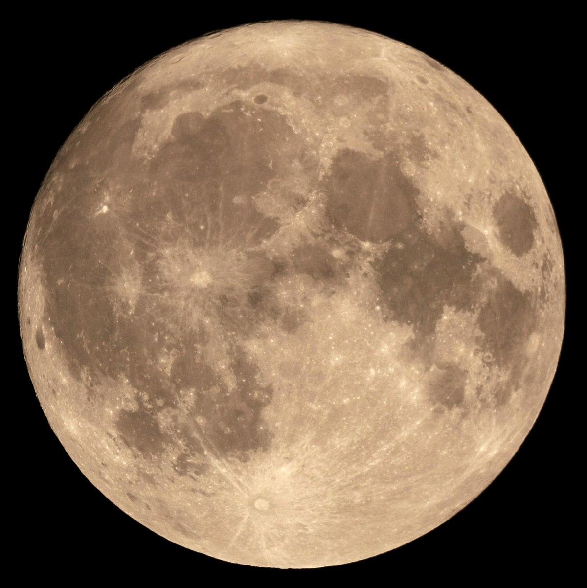 بالصور صور القمر العملاق , اجمل صور للقمر الرائع 12303 4