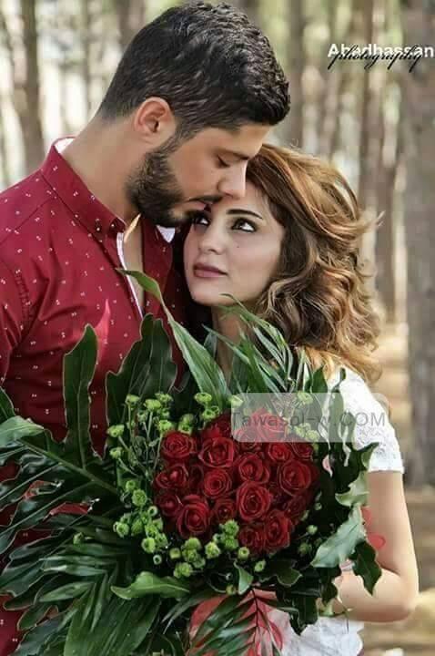 بالصور صور شباب مع ورد , اهميه الورد بين المحبين 12800 4