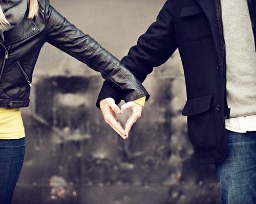صور حب من غير كلام نظرات وابتسامات صور للحب دون كلام رمزيات