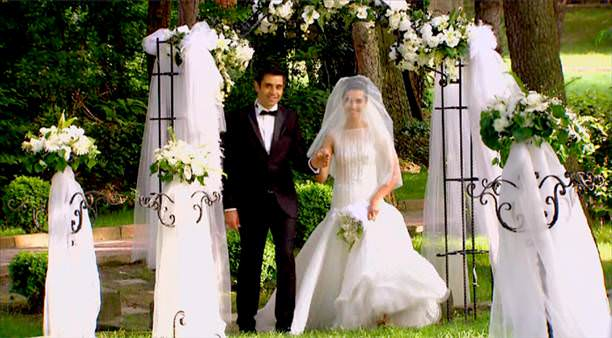 صورة صور مراد ولميس , صور لميس و مراد في مسلسل بائعة الورد