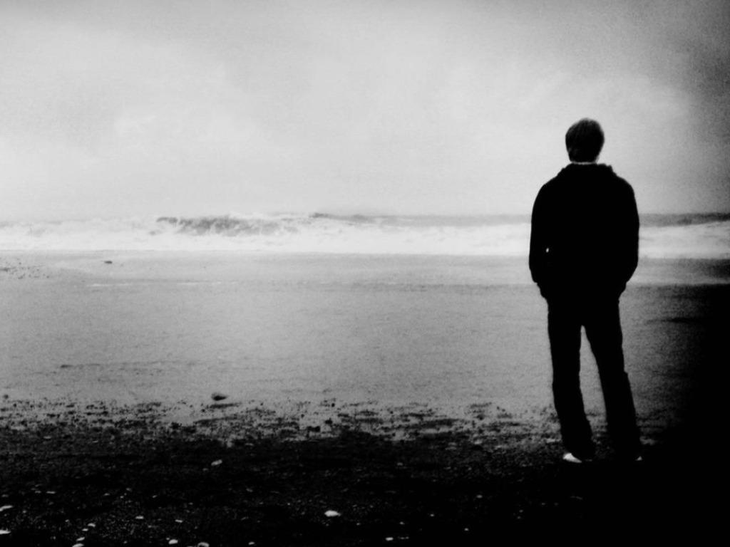 صورة قصيدة عن الوحدة , شعر حزين جدا عن الوحده